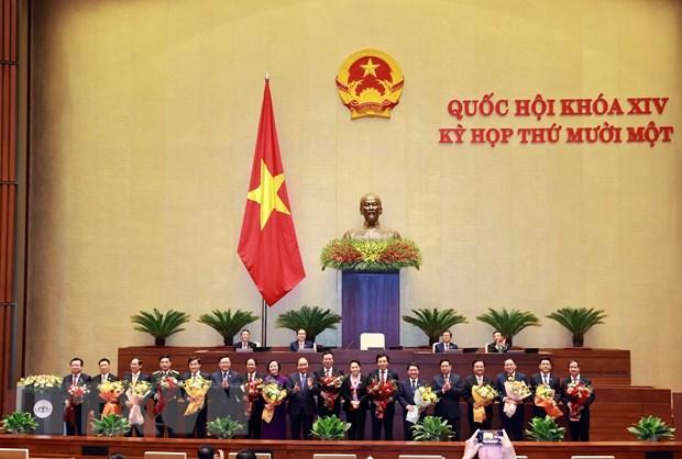 Một số Phó Thủ tướng Chính phủ, một số Bộ trưởng và thành viên khác của Chính phủ ra mắt Quốc hội sau khi được phê chuẩn.