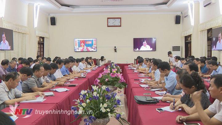 Bộ trưởng Phùng Xuân Nhạ thông tin về những vấn đề trong lĩnh vực giáo dục.