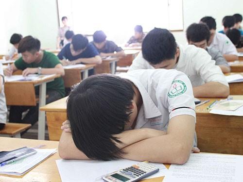 Phải ngủ đủ giấc, tránh tình trạng ngủ gật trong phòng thi.