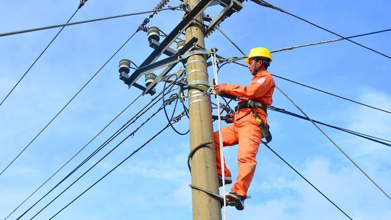 Chuyên gia cho rằng biểu 6 bậc không còn phản ánh thực tế sử dụng điện trong điều kiện hiện nay.