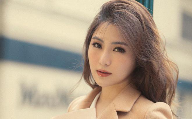 Hương Tràm quyết định ngừng đi hát vài năm để du học.
