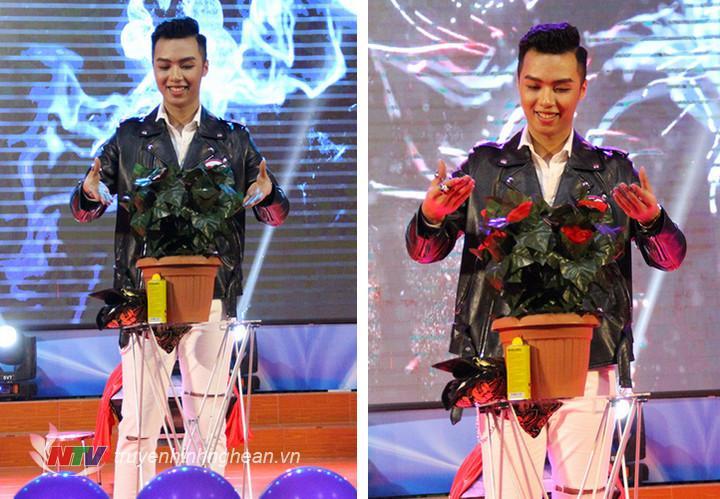 Thí sinh Trần Đắc Mạnh, SBD 85, với tiết mục dự thi tài năng là Trình diễn Ảo thuật đã mang đến đêm thi những bất ngờ thú vị.