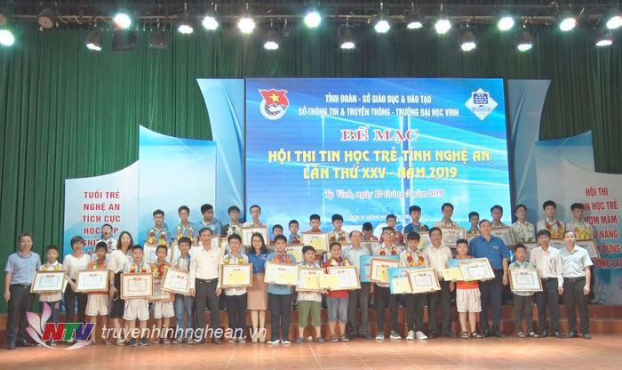 Ban Tổ chức đã trao 4 giải Nhất, 12 giải Nhì, 11 giải Ba và 56 giải Khuyến khích.