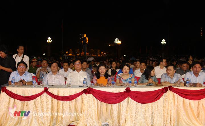 Các đại biểu tham dự lễ tổng kết.