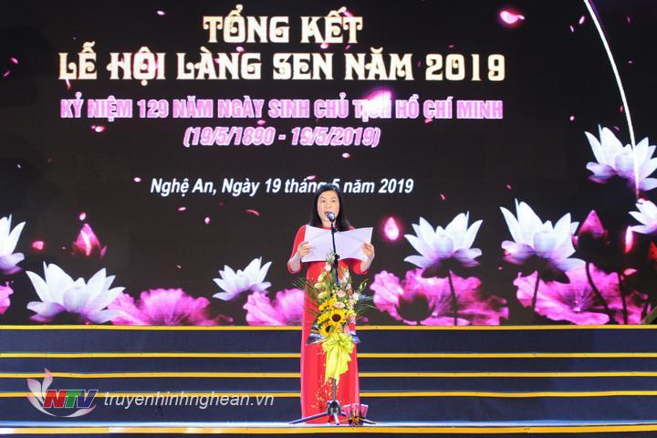 Đồng chí Quách Thị Cường - Phó Giám đốc Sở Văn hóa - Thể thao phát biểu tổng kết lễ hội.