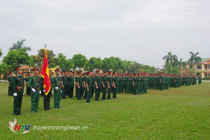 Quang cảnh lễ tuyên thệ tại Trung đoàn 764.