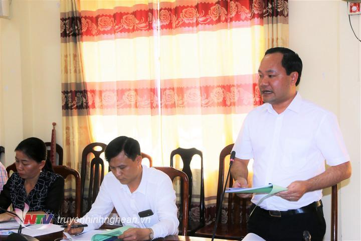 2.Chủ tịch UBND huyện Tân Kỳ Hoàng Quốc Việt báo cáo việc thực hiện các Nghị quyết của HĐND tỉnh tại địa phương