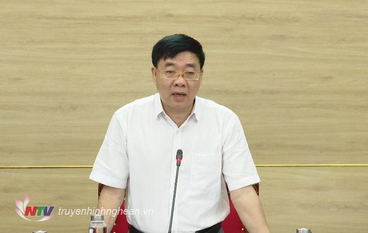 Phó Bí thư Tỉnh ủy Nguyễn Văn Thông phát biểu tại hội nghị.