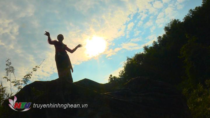 Cảnh quay trong MV được thực hiện ở miền Tây xứ Nghệ.