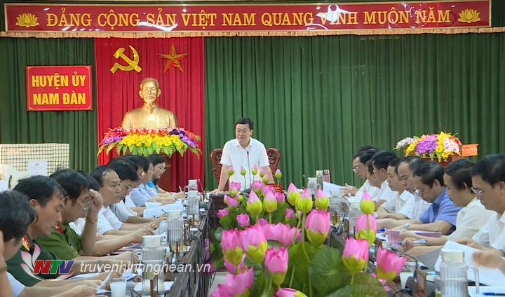 Chủ tịch UBND tỉnh Nguyễn Đức Trung phát biểu kết luận buổi làm việc.