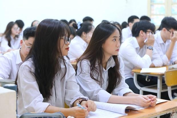 Không bắt buộc giãn cách trong trường, lớp học; không bắt buộc học sinh đeo khẩu trang trong lớp học.