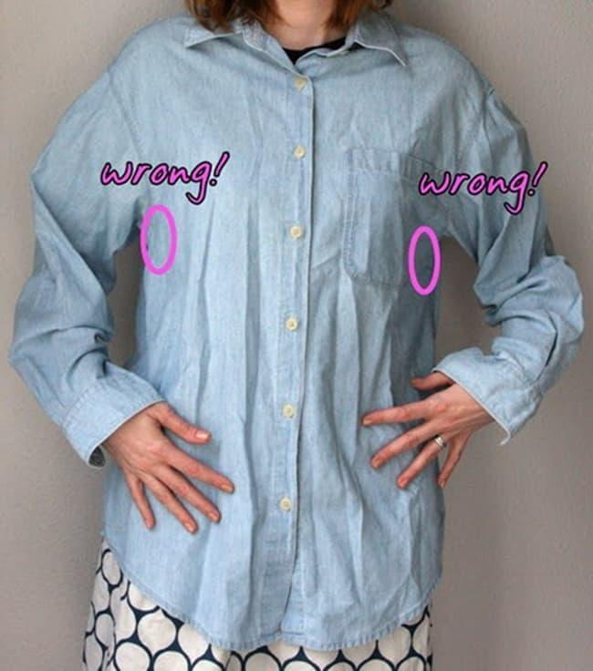 Những loại vải như vải thô Hàn, vải đũi, vải kaki thường hay bị nhăn. Do đó nàng nên cần treo hoặc là hơi cẩn thận trước khi mặc đi làm.