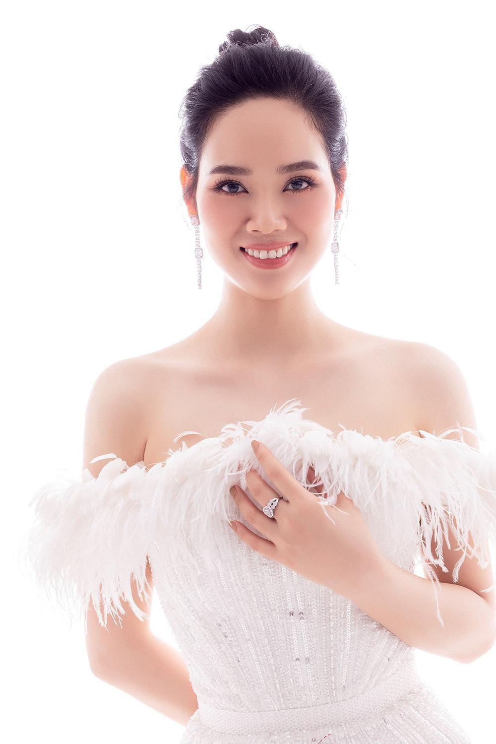 Hoa hậu Mai Phương.