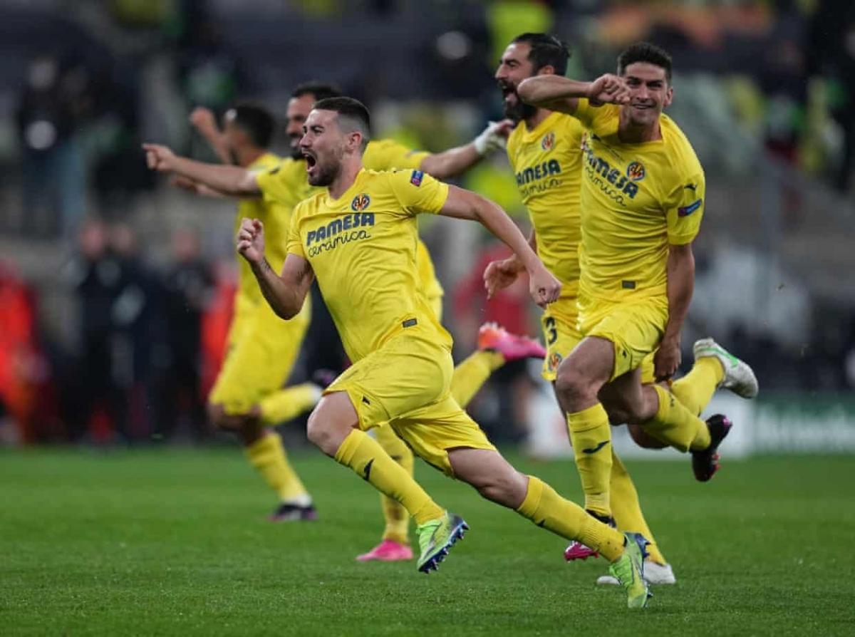 Villarreal vỡ òa trong niềm vui chiến thắng. (Ảnh: Getty)