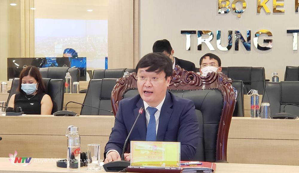 Đồng chí Nguyễn Đức Trung - Phó Bí thư Tỉnh ủy, Chủ tịch UBND tỉnh Nguyễn Đức Trung phát biểu tại hội nghị.