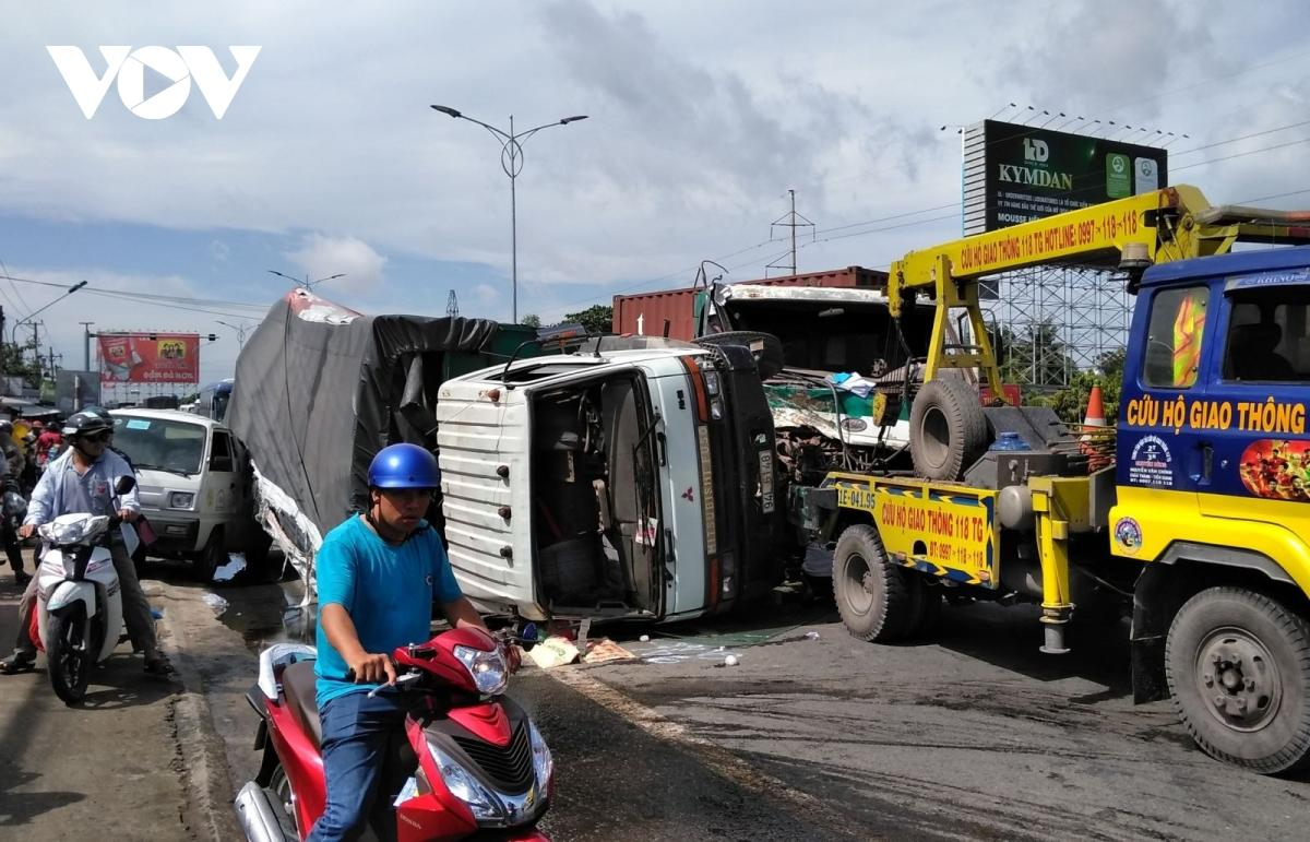 Trong 4 ngày nghỉ lễ (từ 30/4 đến 3/5), toàn quốc xảy ra vụ 111 tai nạn giao thông, làm 58 người tử vong, bị thương 64 người.