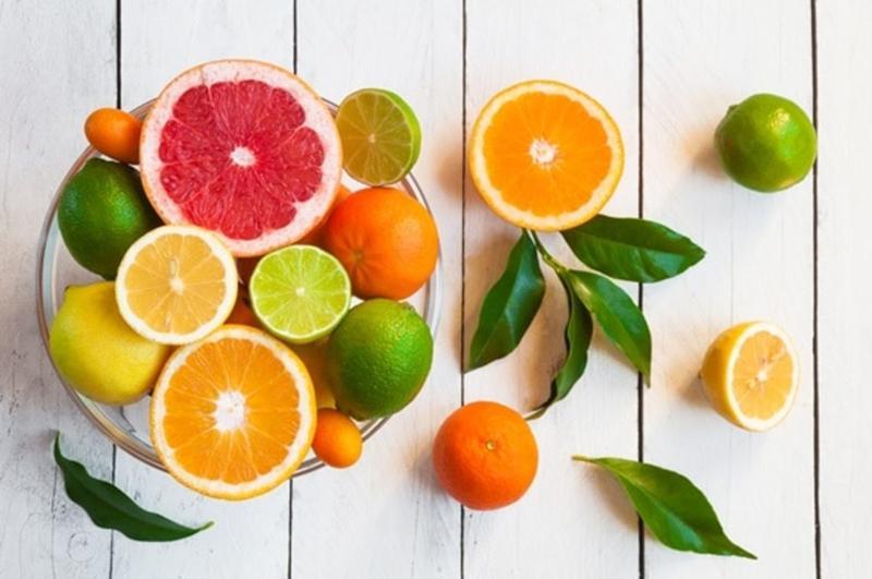 Trái cây có múi (cam, chanh, bưởi): Trái cây có múi rất giàu axit. Nếu bạn ăn khi đói có thể gây nên chứng ợ nóng, nguy cơ viêm dạ dày và thậm chí loét dạ dày.