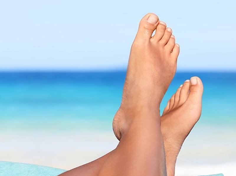 Bệnh thận: Khi thận không hoạt động bình thường, chất lỏng dư thừa sẽ khó đào thải ra ngoài cơ thể gây ra hiện tượng phù nề. Nếu khu vực xung quanh mắt cá chân của bạn bị sưng hoặc bạn cảm thấy đau giống như bị điện giật thì có thể bạn đã mắc bệnh thận.