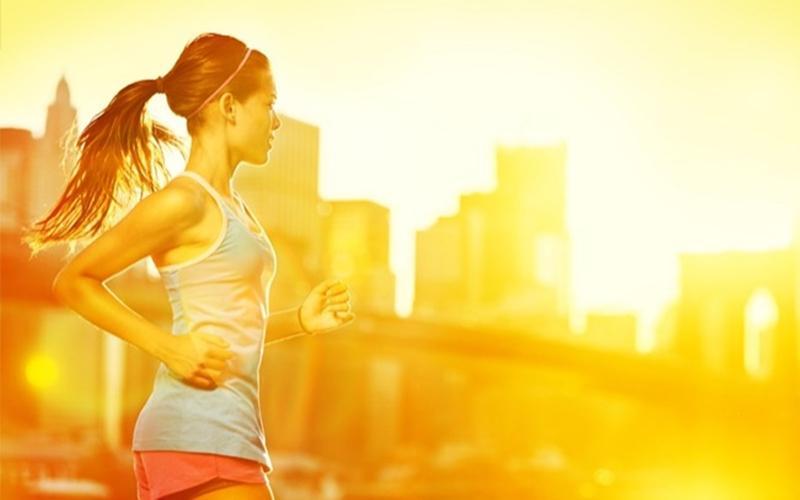 Không tập luyện căng thẳng, cường độ cao: Có ý kiến cho rằng tập luyện khi đang đói sẽ giúp tiêu nhiều calo hơn. Nhưng thực tế, nó không ảnh hưởng tới việc tiêu hụt mỡ, mà ảnh hưởng tới sự khỏe mạnh của các cơ. Cường độ tập luyện cũng có thể giảm bởi cơ thể bạn sẽ bị thiếu năng lượng.