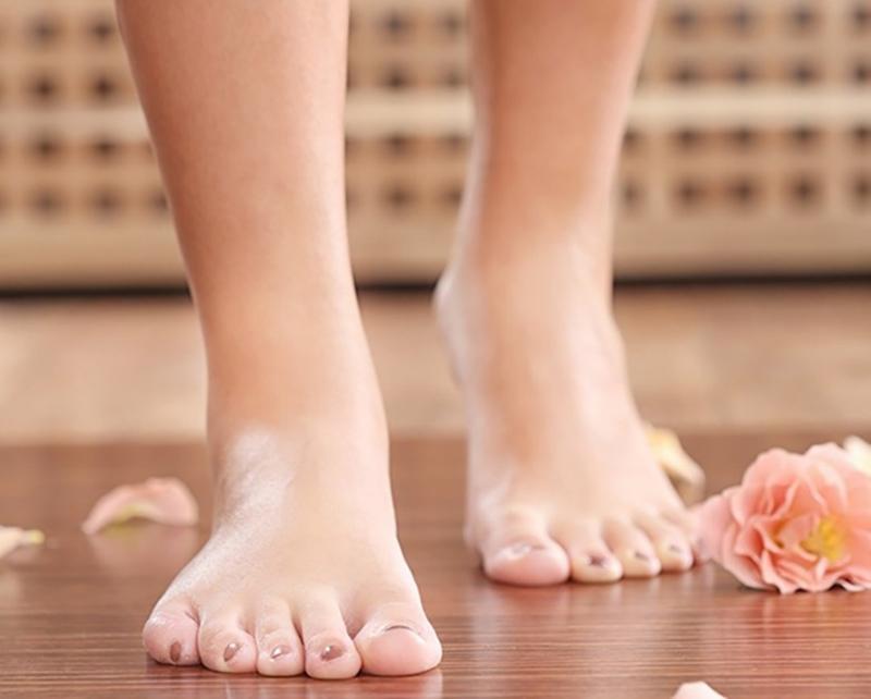 Xơ vữa động mạch: Trong quá trình xơ vữa động mạch, bàn chân nhận rất ít máu, khiến chân tái nhợt và gây đau.