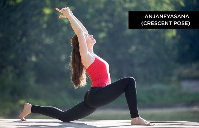 Anjaneyasana, tư thế Trăng khuyết. Thực hiện bài tập này vào buổi sáng khi bụng rỗng sẽ mang lại hiêun quả tốt nhất. Hãy giữ 10-15 giây mỗi chân.