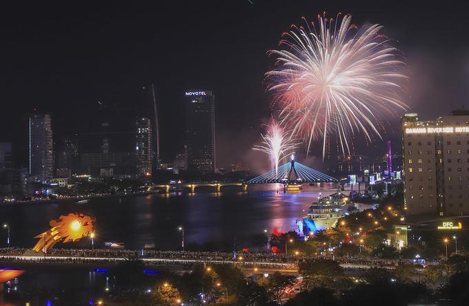 Tối 1/6, lễ hội pháo hoa quốc tế Đà Nẵng (DIFF 2019) khai mạc với màn khai hỏa của đội Việt Nam. Đây là lần thứ 10 Đà Nẵng tổ chức thi pháo hoa quốc tế.