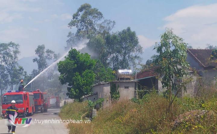 Nhiều hộ dân ở Nam Kim nằm gần khu vực vụ cháy xảy ra.