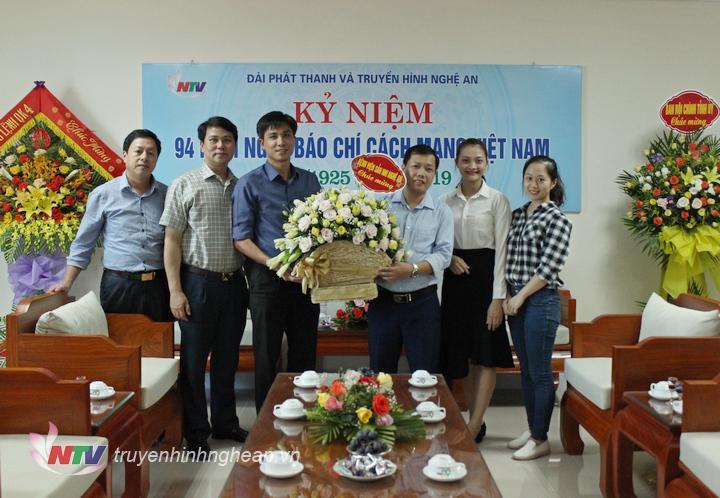 Bệnh viện Sản Nhi Nghệ An chúc mừng.