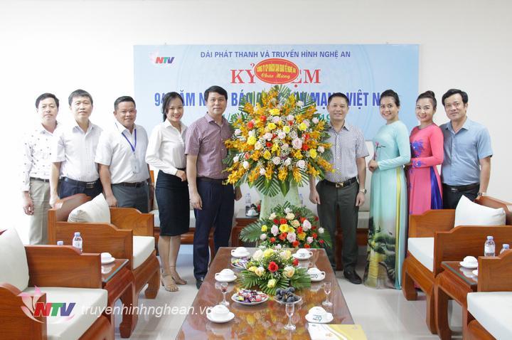 Công ty CP Khách sạn Giao Tế Nghệ An chúc mừng.