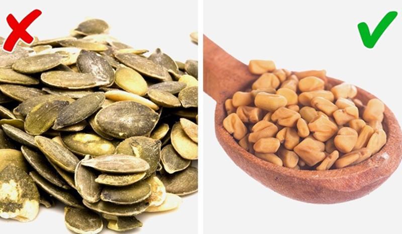 Hạt cà ri vs Hạt bí ngô: Hạt cà ri giúp cải thiện sức khỏe tiêu hóa của bạn và hỗ trợ quá trình loại bỏ độc tố gây mùi hôi ra khỏi cơ thể. Còn hạt bí ngô chứa hàm lượng choline cao, vốn là một tác nhân gây mùi hôi cơ thể.