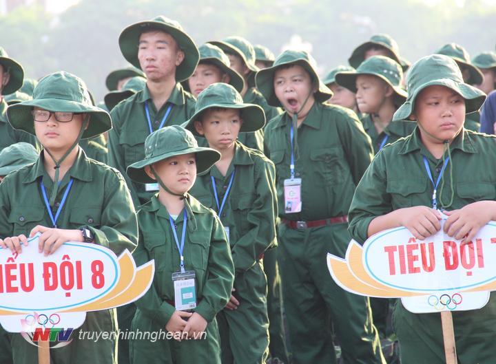 Lớp Học kỳ trong quân đội cho thanh thiếu niên lứa tuổi từ 11 – 17 tuổi trong cả nước.