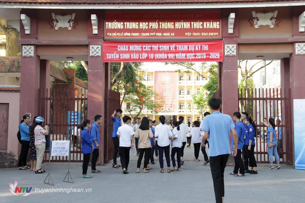 Hôm nay (6/6), hơn 3.600 thí sinh Nghệ An bước vào kỳ thi tuyển sinh lớp 10.