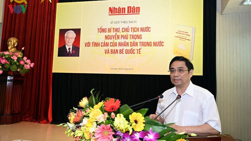 Uỷ viên Bộ Chính trị, Trưởng Ban Tổ chức Trung ương Phạm Minh Chính phát biểu tại lễ ra mắt sách