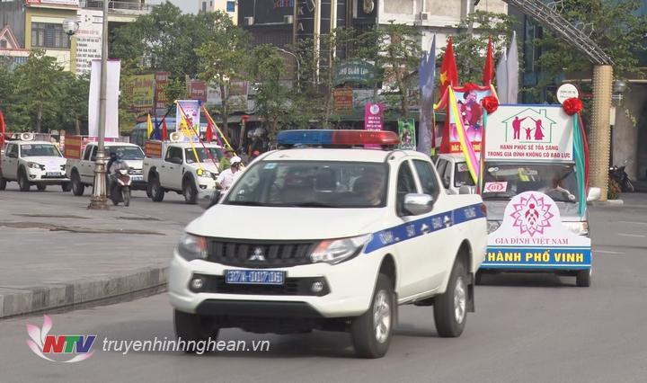 Diễu hành tuyên truyền cổ động