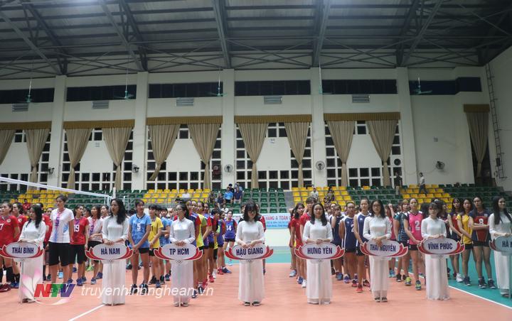 Các đội bóng tham dự giải đsấu