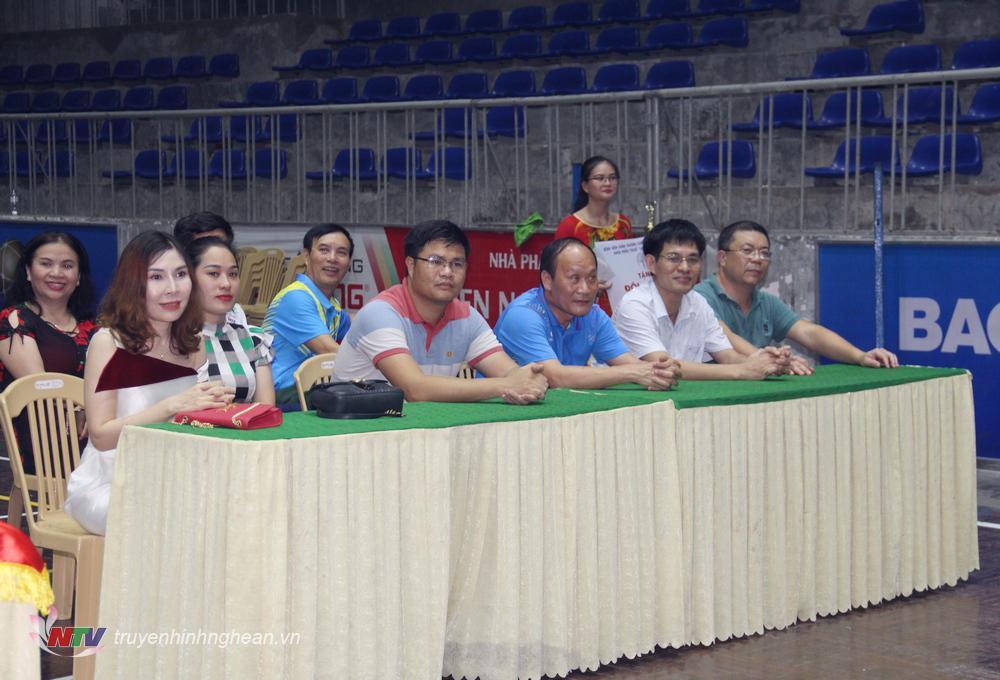 Các đại biểu dự lễ bế mạc.