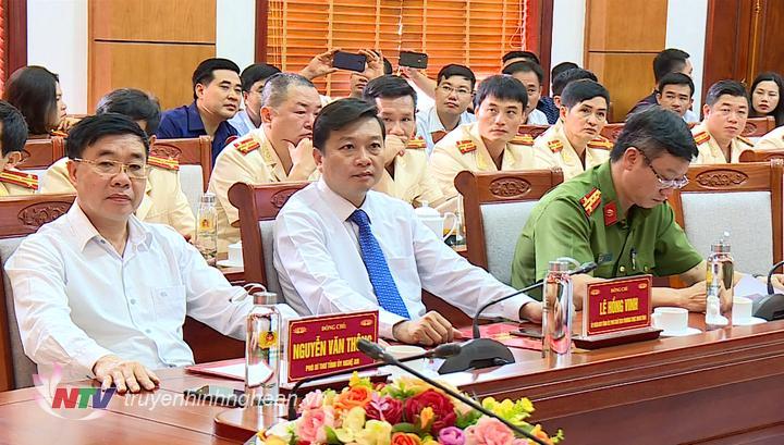 Các đại biểu dự lễ công bố Quyết định.