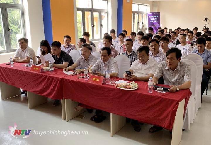 Dự lễ khai mạc có đại diện Sở Khoa học - Công nghệ, Đài PT-TH Nghệ An,Công ty Cổ phần Công nghệ Gostream.