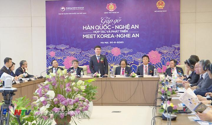 Đồng chí Nguyễn Đức Trung - Phó Bí thư Tỉnh ủy, Chủ tịch UBND tỉnh phát biểu tại hội nghị.