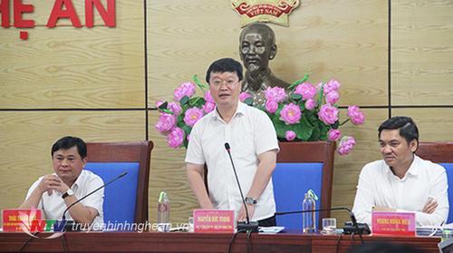 Chủ tịch UBND tỉnh Nguyễn Đức Trung phát biểu tại cuộc họp.