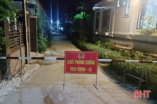 Ngay trong đêm 8/6, xã Tân Lâm Hương lập 5 chốt phong tỏa thôn Trung Hòa.