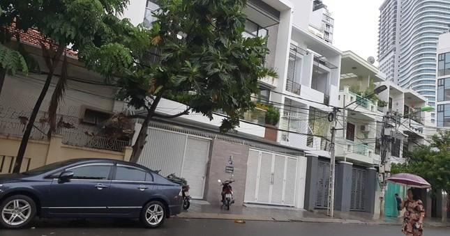Công an Khánh Hoà cũng có mặt tại nhà ông Thắng trên đường Ngô Thời Nhiệm và nhà ông Điệp, đường A2 Vĩnh Điềm Trung - Nha Trang.