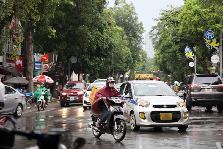 Bắc Bộ, Thanh Hóa và Nghệ An mưa to và dông.