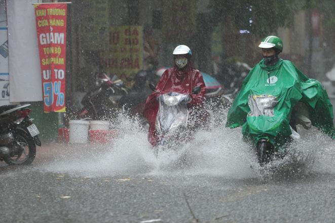 Bắc Bộ và khu vực từ Thanh Hóa đến Thừa Thiên Huế có nơi mưa rất to.