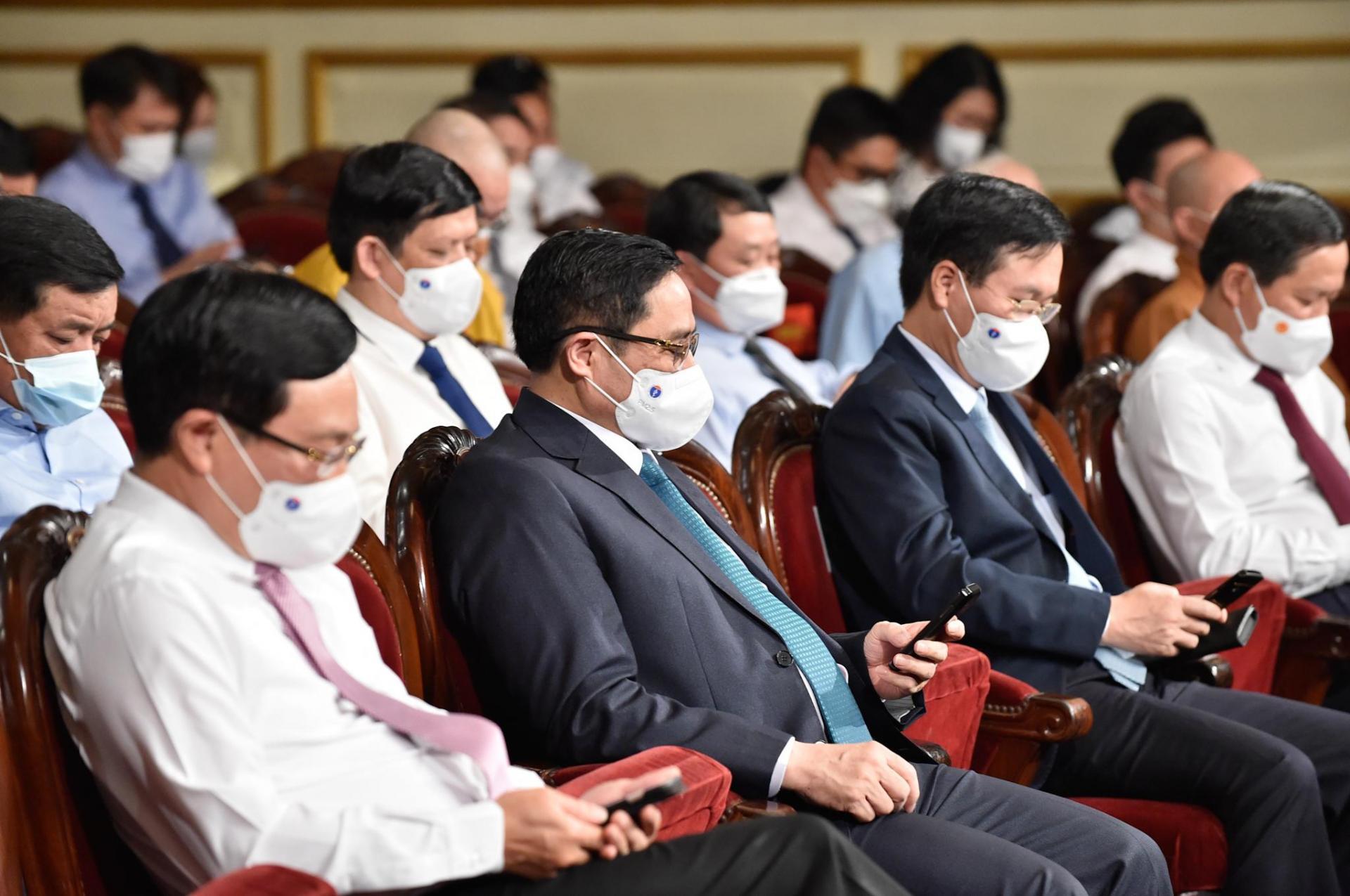 Thủ tướng Phạm Minh Chính nhắn tin ủng hộ cho Quỹ vaccine phòng chống COVID-19 của Chính phủ thông qua cổng 1400.