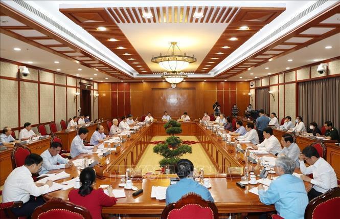 Tổng Bí thư Nguyễn Phú Trọng chủ trì cuộc họpcho ý kiến về tình hình phòng, chống dịch Covid-19. Ảnh: TTXVN