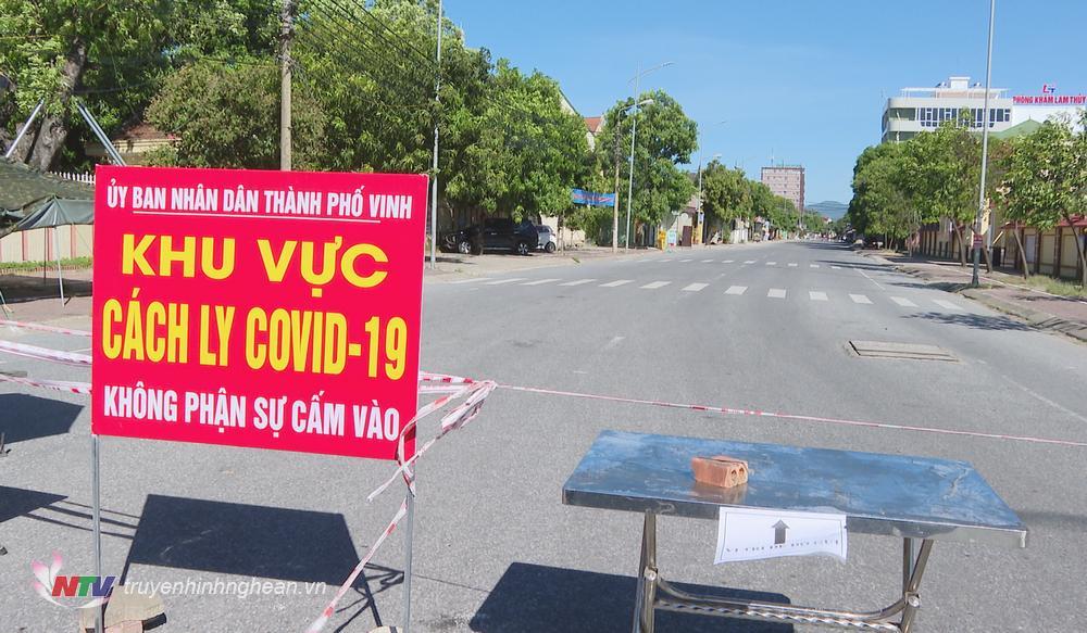 Một điểm chốt chặn phòng chống dịch trên địa bàn phường Hưng Dũng.