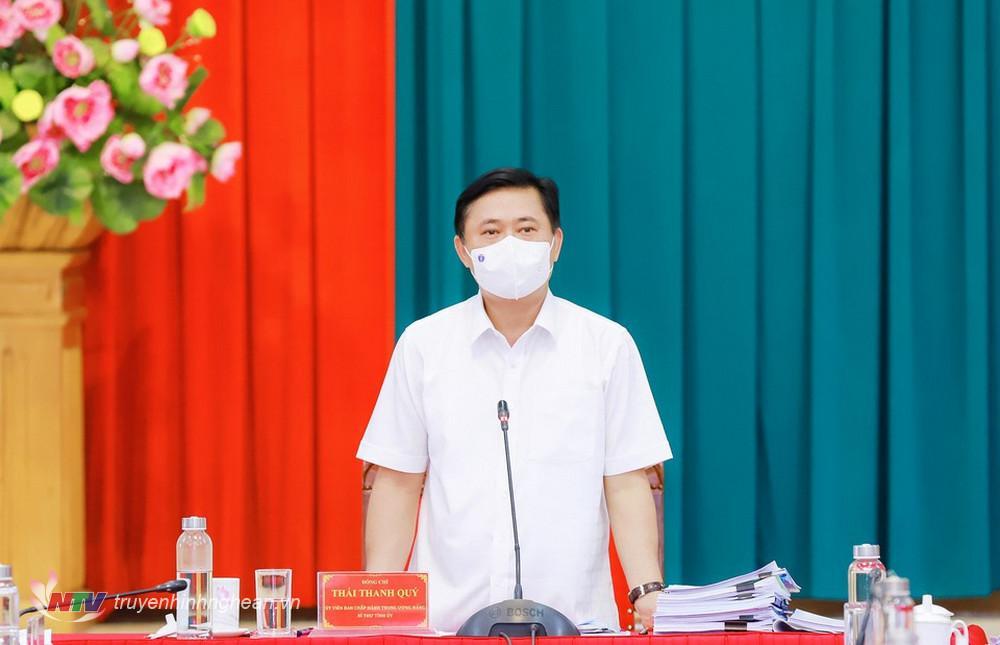 Bí thư Tỉnh uỷ Thái Thanh Quý phát biểu kết luận nội dung về tình hình kinh tế - xã hội.