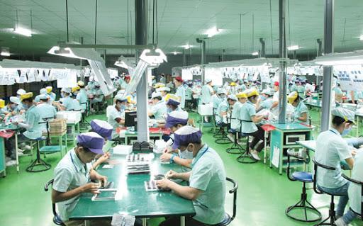 Bảo đảm việc làm bền vững, nâng cao mức sống của công nhân lao động.