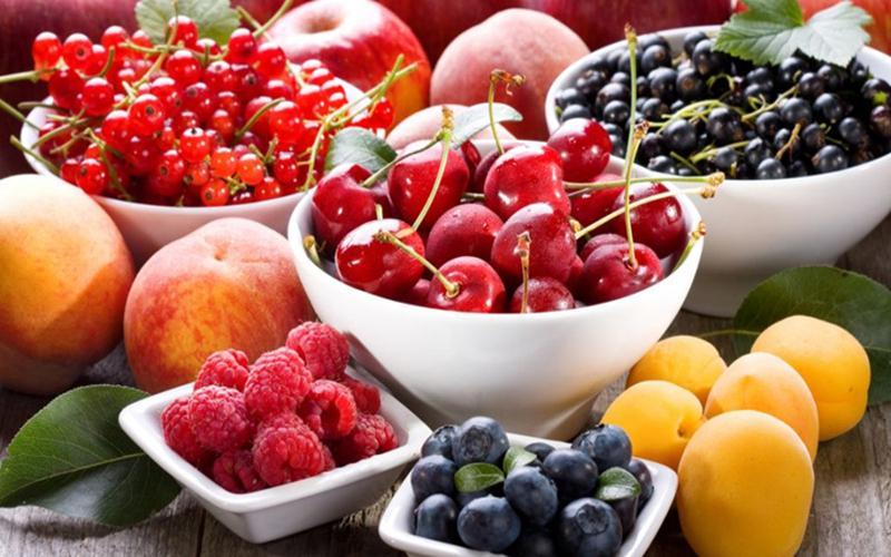 Trái cây: Một số loại trái cây như xoài, nho, quả việt quất, quả mâm xôi và dâu tây... đều rất tốt cho người tiểu đường, giúp cải thiện và ổn định lượng đường huyết.